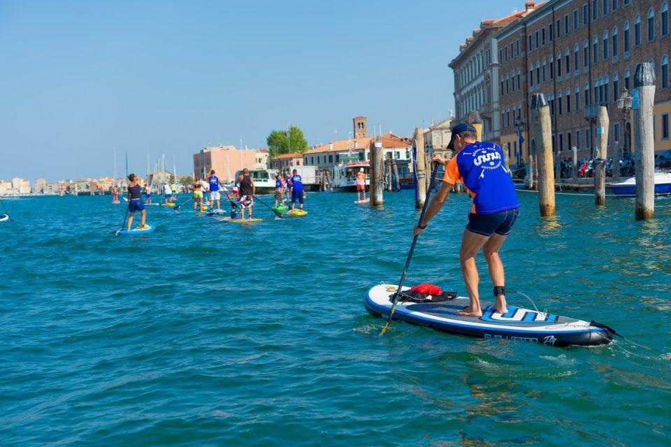 Chioggia Sup Tourism: visitare la città facendo uno sport divertente (approfondimento)