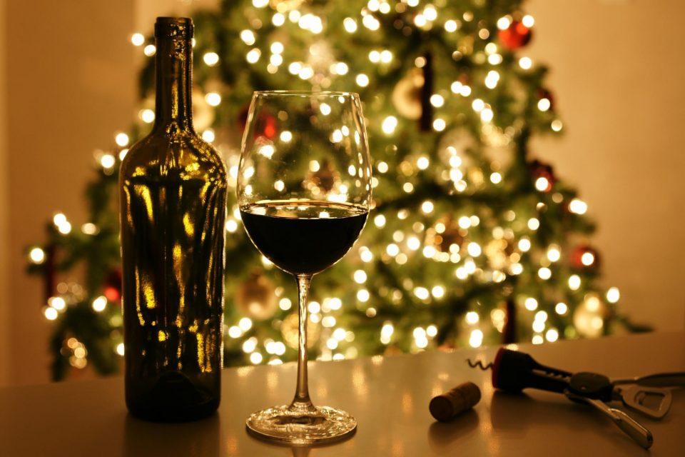 Cinque bottiglie da mettere sotto l'albero