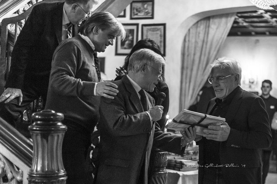 """Il premio """"Sfogeto Sgajo"""" a Nevio Scala"""