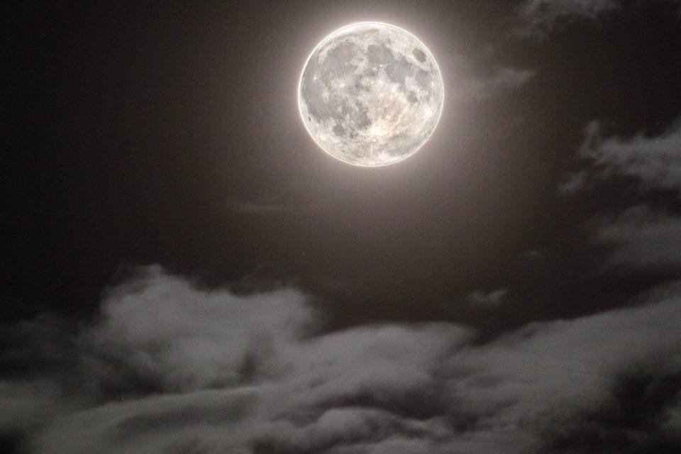 Gobba a ponente luna crescente, gobba a levante luna calante