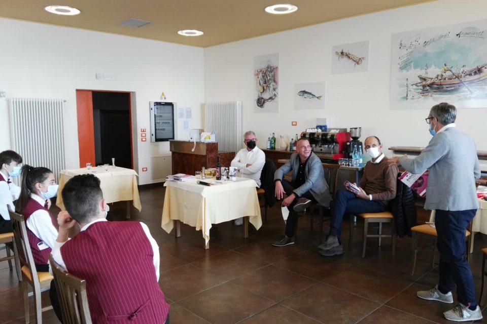 Le classi terze dell'Istituto Enaip di Chioggia lavorano ad un ricettario per esaltare il Radicchio di Chioggia Igp